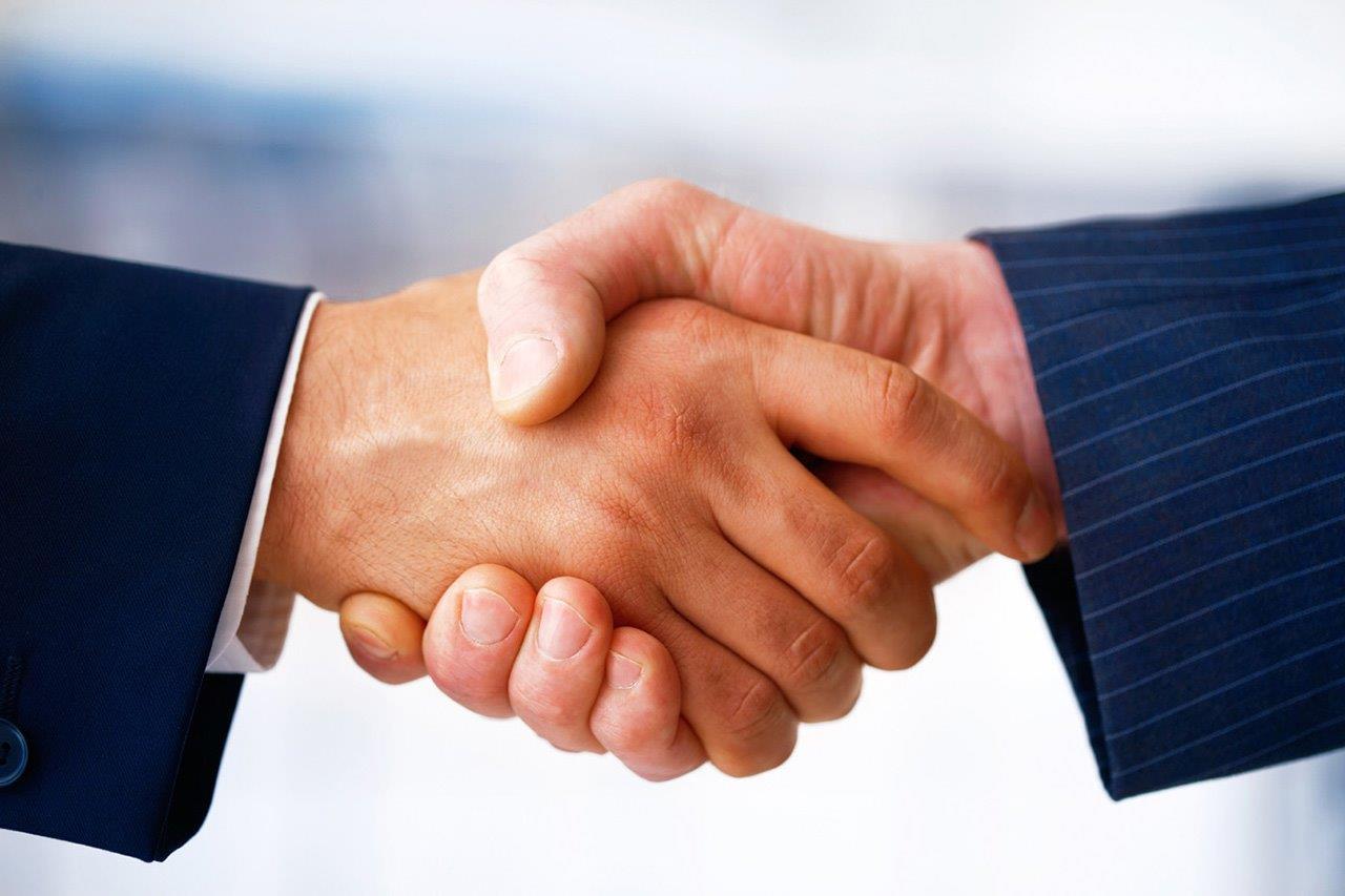 تعاون مصرفي بين كاك بنك وسبعة بنوك سعودية