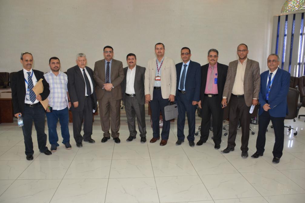 وقع كاك بنك وشركة يمن موبايل إتفاقية شراكة لتنفيذ مشروع ريال موبايلي